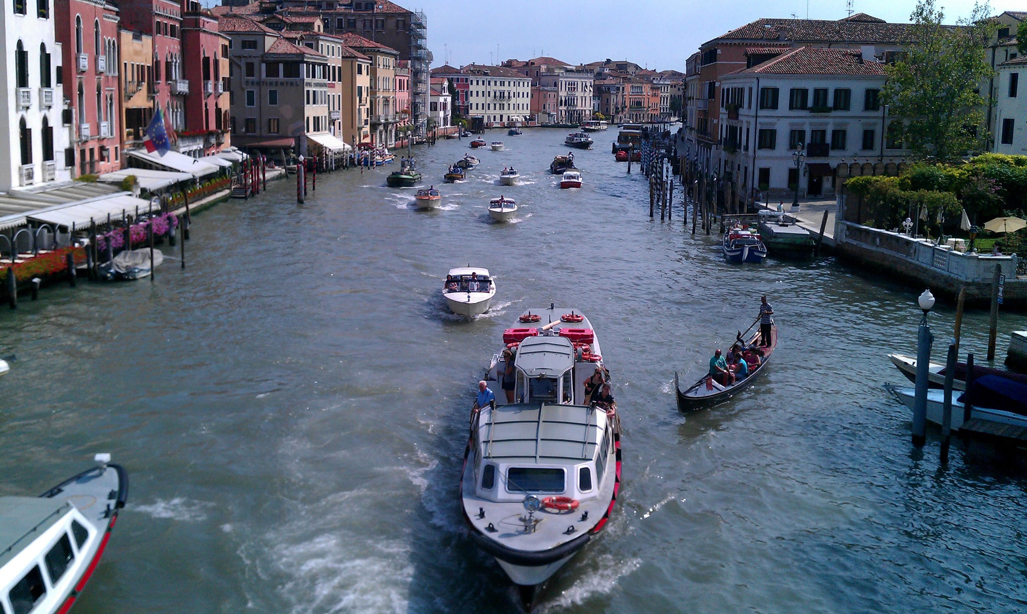 Venetian Trip – Masks, Music and Motor Boats